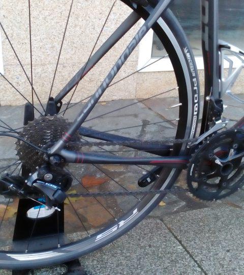 Bicicleta Cannondale Synapse Carbon 105 6 54″ (segunda mano)