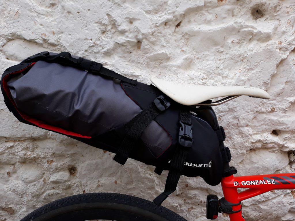042fca58496 Lo interesante de esta bolsa es la facilidad de ajuste para hacerla más  larga o más corta en función de la carga.