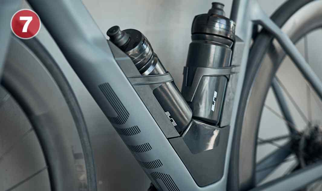 Aero Module Un sistema modular que combina elementos de hidratación y almacenamiento en una unidad aerodinámica