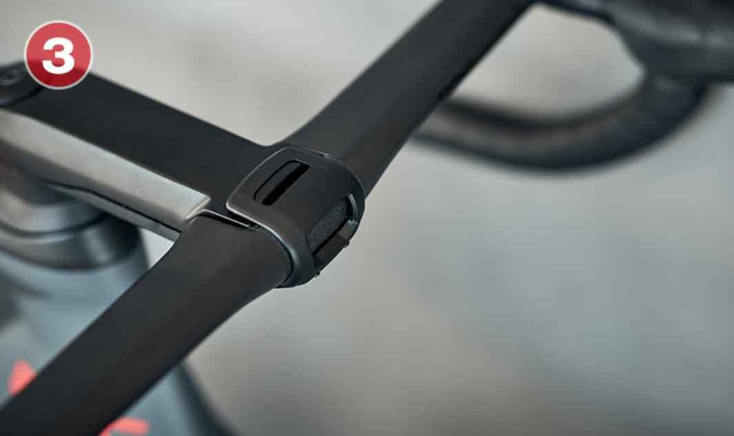 ICS Aero Nuestro cockpit más aerodinámico redefine la integración con una aerodinámica excelente, una completa integración de los cables y una amplia capacidad de ajuste