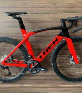 Bicicleta Trek Madone SL 6 Disc DI2 Color Negro Rojo